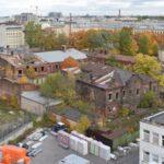 На Московском разбирают здание бывшей елочной фабрики